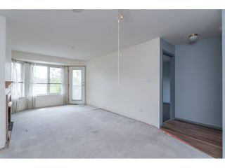 """Photo 8: 301 20881 56 Avenue in Langley: Langley City Condo for sale in """"ROBERT'S COURT"""" : MLS®# R2371965"""