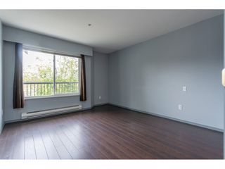 """Photo 12: 301 20881 56 Avenue in Langley: Langley City Condo for sale in """"ROBERT'S COURT"""" : MLS®# R2371965"""