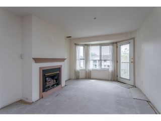 """Photo 10: 301 20881 56 Avenue in Langley: Langley City Condo for sale in """"ROBERT'S COURT"""" : MLS®# R2371965"""