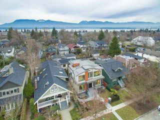 "Photo 2: 4437 W 13TH Avenue in Vancouver: Point Grey House for sale in ""POINT GREY"" (Vancouver West)  : MLS®# R2372827"