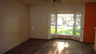 Photo 2:  in Edmonton: Zone 06 House for sale : MLS®# E4159671