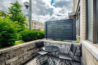 Photo 2: 58 St David Street in Toronto: Regent Park Condo for sale (Toronto C08)  : MLS®# C4499373