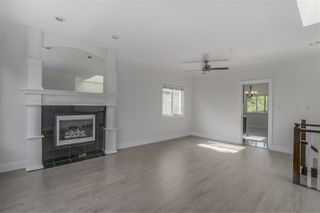 Photo 4: 3468 WORTHINGTON Drive in Vancouver: Renfrew Heights House for sale (Vancouver East)  : MLS®# R2386809