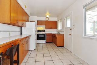 Photo 8: 2313 COMO LAKE Avenue in Coquitlam: Chineside House for sale : MLS®# R2388534