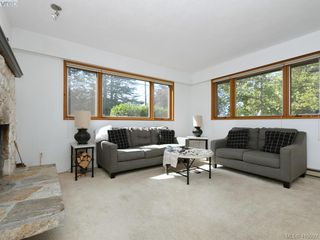 Photo 4: 1906 Fairfield Road in VICTORIA: Vi Fairfield East Single Family Detached for sale (Victoria)  : MLS®# 419092