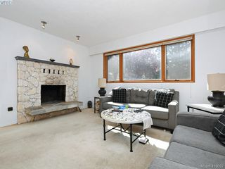 Photo 5: 1906 Fairfield Road in VICTORIA: Vi Fairfield East Single Family Detached for sale (Victoria)  : MLS®# 419092