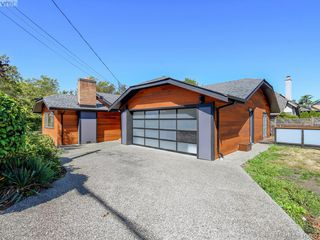 Photo 3: 1906 Fairfield Rd in VICTORIA: Vi Fairfield East Single Family Detached for sale (Victoria)  : MLS®# 829470