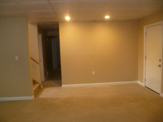 Photo 7: 4 Mural Crescent - basement suite in St. Albert: Basement Suite for rent