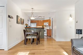 "Photo 5: 102 665 W 7TH Avenue in Vancouver: Fairview VW Townhouse for sale in ""The Ivy's"" (Vancouver West)  : MLS®# R2439208"