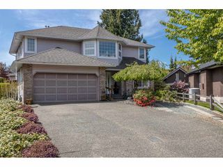 "Photo 2: 9315 207 Street in Langley: Walnut Grove House for sale in ""Greenwood Estates - Central Walnut Grove"" : MLS®# R2454039"