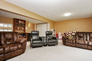 Photo 15: 8635 SUNRISE Drive in Chilliwack: Chilliwack Mountain House for sale : MLS®# R2465885
