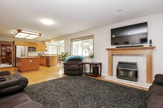 Photo 10: 8635 SUNRISE Drive in Chilliwack: Chilliwack Mountain House for sale : MLS®# R2465885
