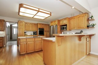 Photo 6: 8635 SUNRISE Drive in Chilliwack: Chilliwack Mountain House for sale : MLS®# R2465885