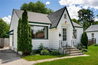Photo 2: 92 Imperial Avenue in Winnipeg: Residential for sale (2D)  : MLS®# 202016762