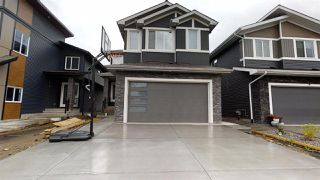Photo 1: 1824 20 Avenue NW in Edmonton: Zone 30 House for sale : MLS®# E4207769