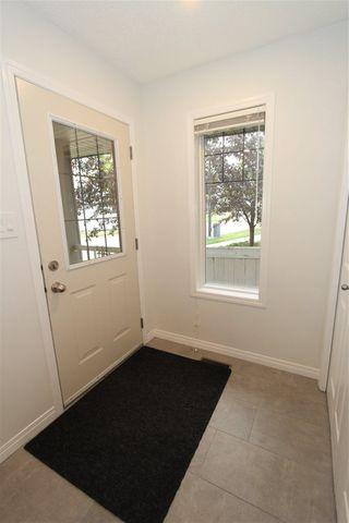 Photo 4: 3005 TRELLE Crescent in Edmonton: Zone 14 House for sale : MLS®# E4214196