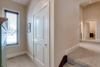 Photo 2: 3322 2 Street NW in Calgary: Highland Park Semi Detached for sale : MLS®# A1059595