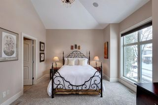 Photo 16: 3322 2 Street NW in Calgary: Highland Park Semi Detached for sale : MLS®# A1059595