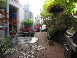 "Photo 2: 202 212 LONSDALE Avenue in North Vancouver: Lower Lonsdale Condo for sale in ""Two One Two"" : MLS®# V893037"