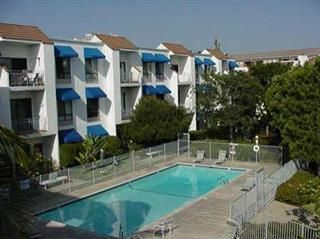 Photo 1: UNIVERSITY CITY Condo for sale : 2 bedrooms : 8308 Regents Road #2F in San Diego