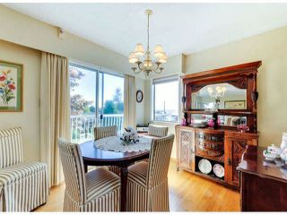 Photo 11: 1061 EWSON Street: White Rock House for sale (South Surrey White Rock)  : MLS®# F1423290