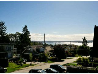 Photo 10: 1061 EWSON Street: White Rock House for sale (South Surrey White Rock)  : MLS®# F1423290