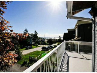 Photo 9: 1061 EWSON Street: White Rock House for sale (South Surrey White Rock)  : MLS®# F1423290