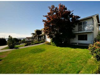 Photo 2: 1061 EWSON Street: White Rock House for sale (South Surrey White Rock)  : MLS®# F1423290