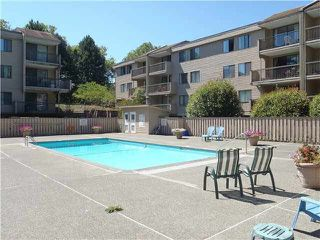 "Photo 3: 111 8400 LANSDOWNE Road in Richmond: Brighouse Condo for sale in ""LEXINGTON SQUARE"" : MLS®# V1135633"