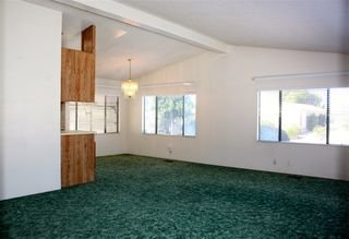 Photo 3: NORTH ESCONDIDO Manufactured Home for sale : 2 bedrooms : 1804 Lynx Glen #T in Escondido