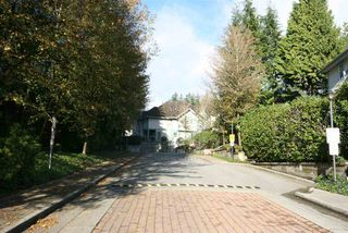 "Photo 2: 11 65 FOXWOOD Drive in Port Moody: Heritage Mountain Condo for sale in ""FOREST HILL"" : MLS®# R2028375"