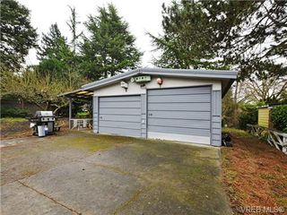 Photo 11: 761 Chesterlea Road in VICTORIA: SE High Quadra Single Family Detached for sale (Saanich East)  : MLS®# 360050