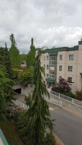 "Photo 19: 401 13860 70 Avenue in Surrey: East Newton Condo for sale in ""CHELSEA GARDEN"" : MLS®# R2069111"