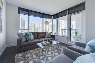 """Main Photo: 1611 68 SMITHE Street in Vancouver: Yaletown Condo for sale in """"ONE PACIFIC"""" (Vancouver West)  : MLS®# R2101622"""