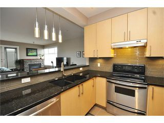 Photo 3: 407 830 CENTRE Avenue NE in Calgary: Bridgeland/Riverside Condo for sale : MLS®# C4091993
