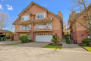 "Photo 1: 2 5201 OAKMOUNT Crescent in Burnaby: Oaklands Townhouse for sale in ""HARLANDS"" (Burnaby South)  : MLS®# R2161248"