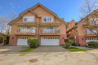 "Photo 3: 2 5201 OAKMOUNT Crescent in Burnaby: Oaklands Townhouse for sale in ""HARLANDS"" (Burnaby South)  : MLS®# R2161248"