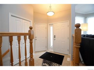 Photo 3: 27 CASTLE Place in Regina: Whitmore Park Residential for sale : MLS®# SK615002
