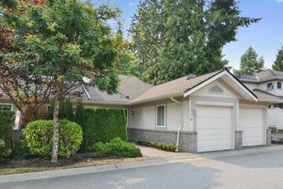 """Photo 2: 30 15099 28TH Avenue in Surrey: Elgin Chantrell Townhouse for sale in """"The Gardens"""" (South Surrey White Rock)  : MLS®# R2194434"""