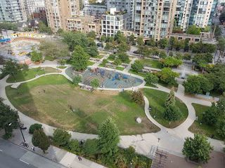 "Photo 2: 1405 1199 SEYMOUR Street in Vancouver: Downtown VW Condo for sale in ""THE BRAVA"" (Vancouver West)  : MLS®# R2198430"