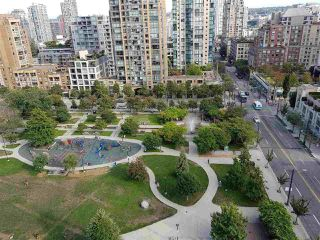 "Photo 8: 1405 1199 SEYMOUR Street in Vancouver: Downtown VW Condo for sale in ""THE BRAVA"" (Vancouver West)  : MLS®# R2198430"