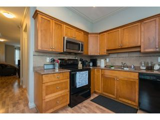 """Photo 9: 16 33321 GEORGE FERGUSON Way in Abbotsford: Central Abbotsford Townhouse for sale in """"CEDAR LANE"""" : MLS®# R2222167"""