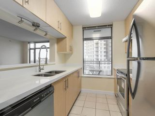 """Photo 11: 1409 3660 VANNESS Avenue in Vancouver: Collingwood VE Condo for sale in """"CIRCA"""" (Vancouver East)  : MLS®# R2251154"""