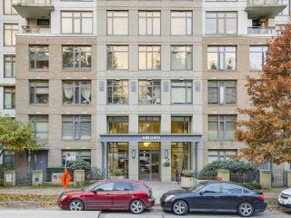 """Photo 3: 1409 3660 VANNESS Avenue in Vancouver: Collingwood VE Condo for sale in """"CIRCA"""" (Vancouver East)  : MLS®# R2251154"""