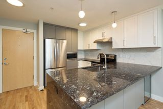 "Photo 4: 206 3142 ST JOHNS Street in Port Moody: Port Moody Centre Condo for sale in ""SONRISA"" : MLS®# R2254973"