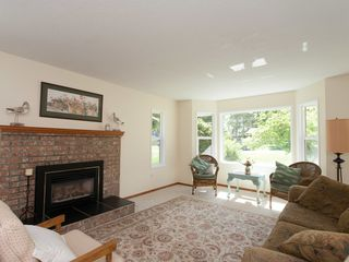Photo 3: 1057 CENTRE ROAD in North Qualicum: House for sale : MLS®# 424675