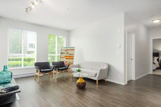Photo 6: 101 3107 WINDSOR Gate in Coquitlam: New Horizons Condo for sale : MLS®# R2269944