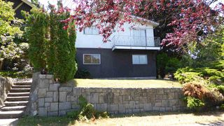 Photo 2: 2010 KASLO Street in Vancouver: Renfrew VE House for sale (Vancouver East)  : MLS®# R2293508