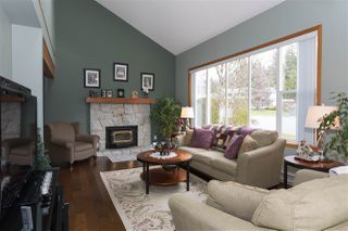 Photo 4: 1009 CYPRESS Place in Squamish: Brackendale House for sale : MLS®# R2301344