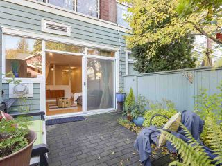 "Photo 1: 112 2929 W 4TH Avenue in Vancouver: Kitsilano Condo for sale in ""Madison"" (Vancouver West)  : MLS®# R2314958"